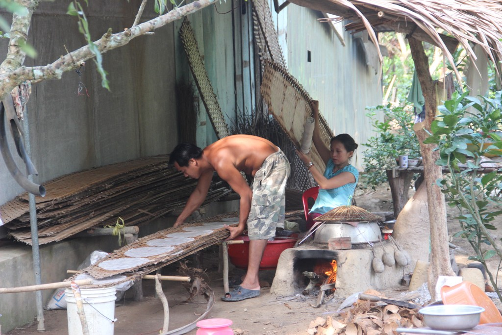 Making rice-paper in Ben Tre