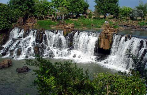 waterfalls giang dien